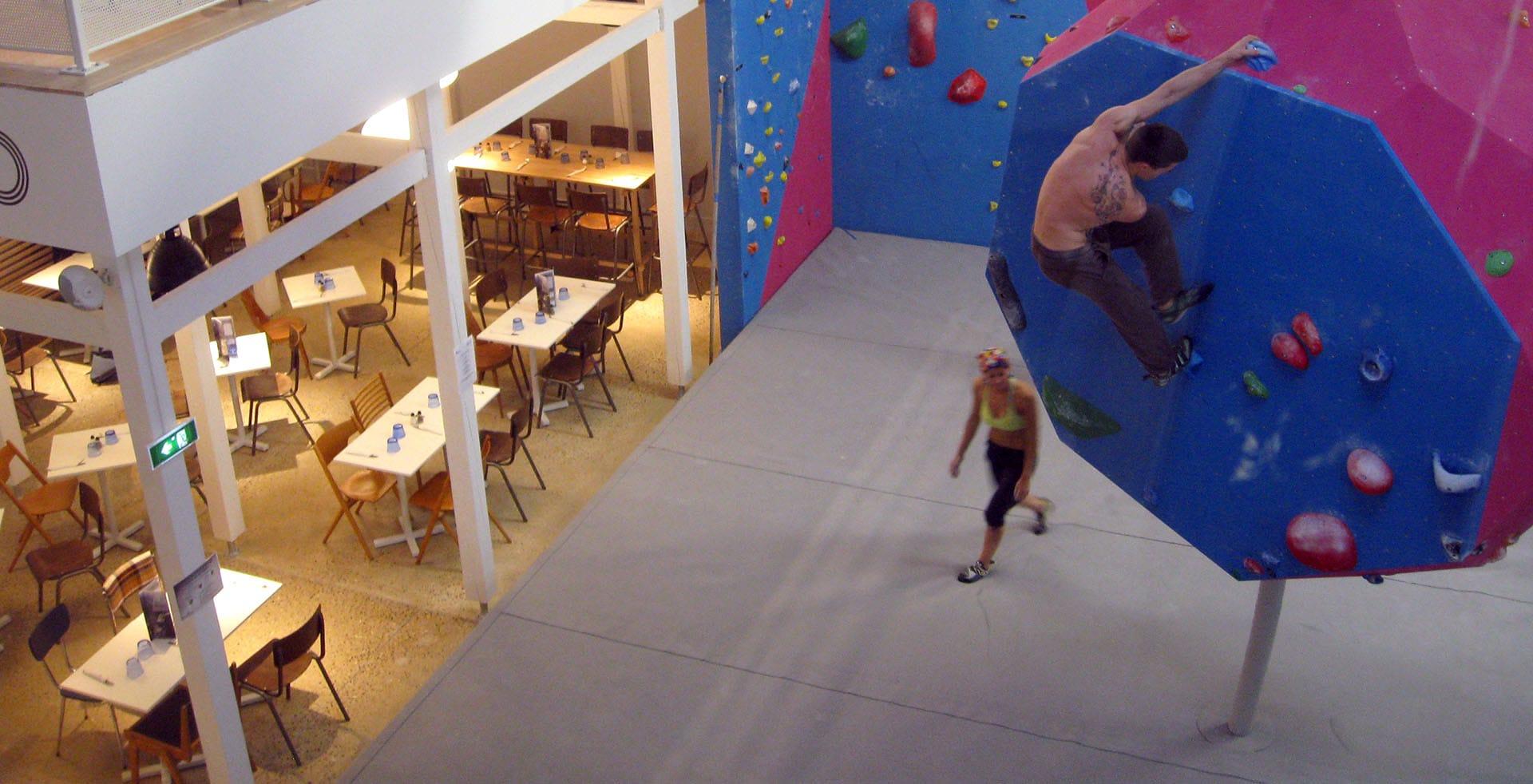 bouldering block 39 out bouldering gym and restaurant in evry lisses. Black Bedroom Furniture Sets. Home Design Ideas