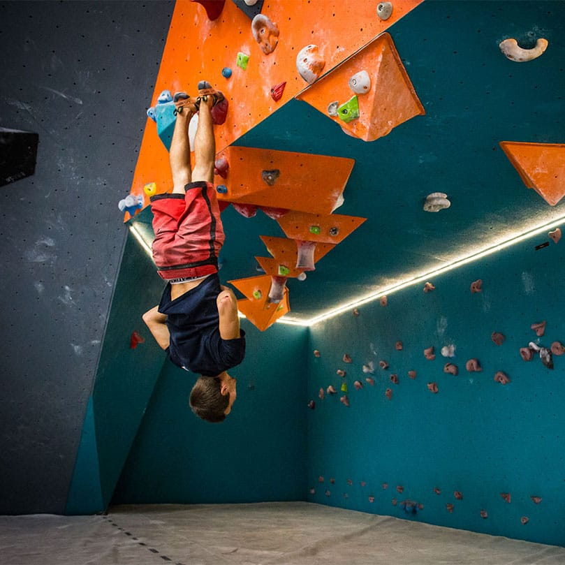 Block'Out bouldering gym and restaurant in Cergy-Pontoise, Val d'Oise