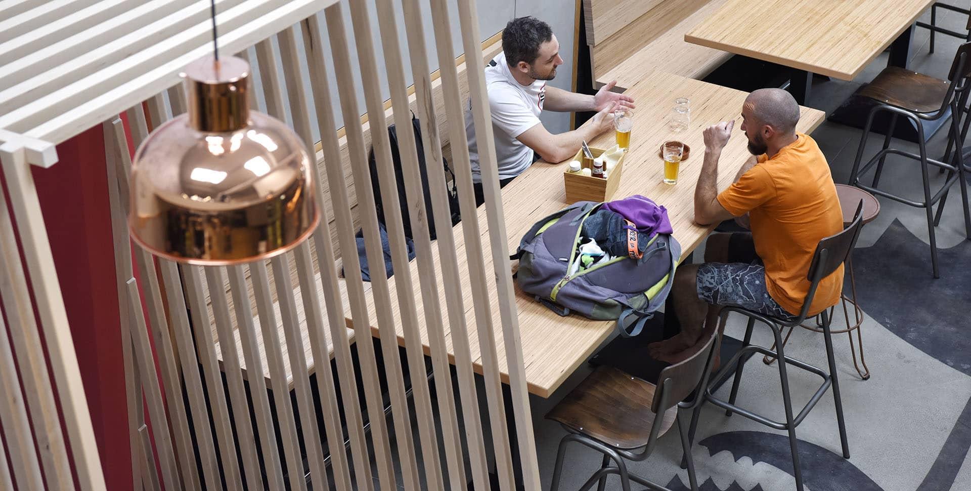 restaurant block 39 out salle d 39 escalade restaurant toulouse. Black Bedroom Furniture Sets. Home Design Ideas